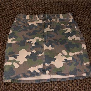 Gap Camo Denim Mini Skirt Size 8